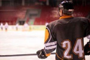 Ставки на хоккей: особенности, лиги, виды